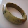 5B92AJ กำไลหยกพม่าแท้ 5.2 cm. สีเขียวเหมือนชาเขียวใส่นมเนื้อเทียนลายเขียวเข้ม