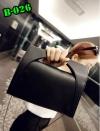 (new)พร้อมส่ง Limited 2017 แฟชั่นกระเป๋าถือ +สพายข้าง งานนำเข้าพรีเมี่ยม สวยเก๋ ขนาดกำลังดี งานน่ารักมากจ้า ข้างในมีช่องเล็กใส่ของจุกจิก สายสะพายยาว