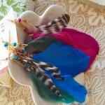 ตุ้มหู,ต่างหูขนนกประดับลูกปัดมีสีฟ้ากับสีชมพูค่ะ