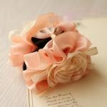 กิ๊บติดผมแฟชั่นสไตล์ญี่ปุ่นสีชมพูแต่งดอกไม้สีขาว