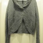 [JACKET] เสื้อคลุมคาร์ดิแกนตัวสั้น ยี่ห้อ H&M size L สีเทา (รอบอก 46-52 นิ้ว ความยาวตัวเสื้อ 21.5 นิ้ว) ใส่คลุมในที่ทำงานก้อได้ค่ะ