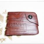 กระเป๋าสตางค์ผู้ชาย หนังแท้ armani ลายไม้ แนวเซอร์ มีกระดุมปิดด้านหน้า มีช่องใส่เหรียญ