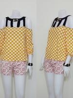 Sale!! blouse1592 ขายส่งเสื้อแฟชั่นผ้าเด้งลายตาราง แขนสี่ส่วนโชว์ไหล่ สีขาวเหลือง รอบอก 36 นิ้ว