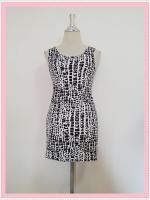 dress2085 เดรสแฟชั่นงานแพลตตินั่มผ้ายืดเนื้อดี แขนกุด ลายหินโทนสีขาวดำ รอบอก 36 นิ้ว