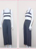 set_bp535  ขายส่งเสื้อผ้าแฟชั่น : ชุดเซ็ทผ้ายืดเนื้อดี เสื้อสั้นสายสปาเก็ตตี้ลายขวางขาวเทาเข้ม+กางเกงขายาวเอวยืดผ่าหน้าสีเทาเข้ม