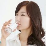 ดื่มน้ำก่อนลงแช่ในอ่างน้ำ 30 นาที จะช่วยให้เหงื่อไหลมากขึ้น