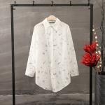P21312 เสื้อเชิ้ตแขนยาว ผ้าฝ้ายลายดอกไม้ สีขาว