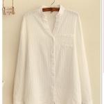 P10528 (preorder) เสื้อแขนยาวคอวี ผ้าฝ้ายเนื้อดีสีขาว เนื้อผ้าพิมพ์ลายริ้ว