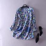 P61571 เสื้อแขนยาว ผ้ายีนส์เนื้อดี สีน้ำเงิน พิมพ์ลายใบไม้