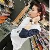 pr1030 เสื้อแฟชั่น ผ้ายืดเนื้อนิ่ม สีขาวแขนยาวตัดต่อผ้าสีน้ำเงิน