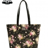 กระเป๋า Patola รุ่น M totebag ผ้าแคนวาส ลายดอกไม้ สีดำ