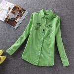 pr1100 เสื้อแฟชั่น ปกเชิ้ตแขนยาว ผ้าลูกฟูกเนื้อดี สีเขียว กระดุมหน้า แต่งงานปักหน้าอกรูปแมว