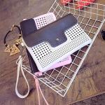PB060 กระเป๋าสะพายแฟชั่น หนัง PU ฉลุลาย พร้อมใบเล็ก 4 สี