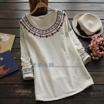 pre473 เสื้อแฟชั่นเกาหลี ผ้ายืดคอทตอนเนื้อดีแขนยาว แต่งด้วยงานปักหรูหรา 2 สี ขาว ครีม