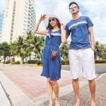 ชุดคู่รักแฟชั่นสไตล์เกาหลี ผู้ชายเป็นเสื้อยืดคอกลม+ผู้หญิงเป็นเดรสเเขนกุด สีน้ำเงิน