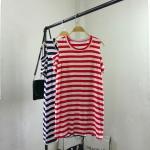 P28208 เสื้อยืดตัวยาว ผ้ายืดสแปนเดกซ์เนื้อนิ่มลายริ้ว เว้าไหล่ สีแดง สีน้ำเงิน