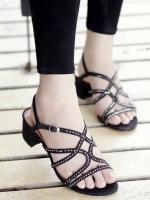 รองเท้าส้นสูงสีดำ ส้นตัน ส้นสุง 2 นิ้ว ประดับเพชรเม็ด จิ๋ว งานแบรนด์ ZARA งานดี จร้า ของจริงไม่ตีแบรนด์ สินค้าถ่ายจากรุปจริงจ้ะ