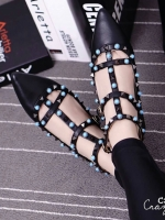 รองเท้าคัชชูสีดำ คัลเลอร์ฟูล 7 สี งาน Valentino แบบชนช้อป สินค้าคอเลคชั่นใหม่ ไฉไล กว่าเดิม วัสดุทำจากหนังpu นิ่มมาก