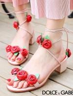 """รองเท้าส้นสูงสีแดง ทรงพันข้อส้นตัน ดีไซน์สวยๆ จาก D&G ดีไซน์สวยๆ หวานๆ ลุคคุณนู๋ เดินง่ายเเดินสบายๆ กับส้นหน้าแข็งแรง สูงเพียง 1.5 """" - 2 """" เท่านั้นเอง"""