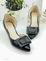 รองเท้าคัทชู เว้าข้าง ทำจากพียูแก้ว (สีดำ )