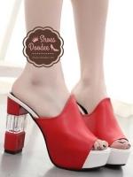 รองเท้าส้นสูงสีแดง แฟชั่นแบบสวม ดีไซน์สวยโดดเด่น แบบเรียบหรูดูดี ใส่กระชับเรียวเท้า เพิ่มสีสันที่ส้นรองเท้าเก๋ๆ สูงหน้า3.3ซม. ส้นสูง11 ซม.
