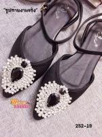 รองเท้าส้นเตี้ยสีดำ flat shoes พันข้อทรง Dior หน้าประดับเพชรลอม พลอยติดเพชรแน่นๆไม่หลุดง่าย งานสวยพร้อมส่งที่นี้ที่เดี่ยวคะ