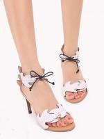 """รองเท้าส้นสูงสีขาว ทรงส้นเข็มพันข้อ สินค้านำเข้า งานสวยๆ หรูๆ จากFrancesco Russo แบรนด์ดัง จาก ปารีส พื้นส้นไม้ สีครีม แต่ง หนัง Pu คล้ายหนังแท้ แกะเป็นรุปใม้ ทรงสวยมากๆ ใส่แล้วทำให้ขาดูเรียว สูง4"""""""