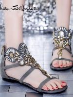 รองเท้าส้นเตี้ยสีเทา งานคริสตัสอลังกาล สะดุดทุกสายตา สายคาดหน้าแต่งผ้าลายถักเปียประดับเพชร ขอย้ำว่าสวยมาก สายรัดข้อยางยืด พื้นนิ่ม หนา 1 นิ้ว