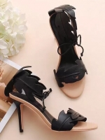 """รองเท้าส้นสูงสีดำ ทรงส้นเข็มพันข้อ สินค้านำเข้า งานสวยๆ หรูๆ จากFrancesco Russo แบรนด์ดัง จาก ปารีส พื้นส้นไม้ สีครีม แต่ง หนัง Pu คล้ายหนังแท้ แกะเป็นรุปใม้ ทรงสวยมากๆ ใส่แล้วทำให้ขาดูเรียว สูง4"""""""