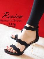 รองเท้าส้นสูงสีดำ งานนำเข้า ลุคหรูๆกำลังจะมาให้สาวๆเป็นเป็นเจ้าของ ด้วยดีเทลผ้ากำมะหยีที่ออกแบบมาเป็นคลื่นเวฟ ทำให้มีความ sexyนิดๆ สูง3.5