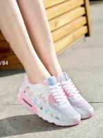 รองเท้าผ้าใบสีขาว แฟชั่นแบบสวม สไตล์เกาหลี วัสดุทำจากผ้าตาข่ายและหนังPUอย่างดี โทนสีสดใสหวานแหวว น้ำหนักเบา สูงหน้า 2 ซม. ส้นสูง 4 ซม.