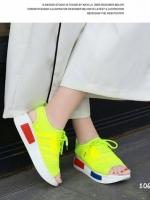 รองเท้าผ้าใบสีเขียว ส้นpu เสริมส้น 1.5 นิ้ว ผ้ายึดสีแสดสะท้อนแสง มีรูระบายอากาศ ดีมาก นน เบา ใส่สบาย ใส่ง่ายสามารถ ดึงรัดส้นแล้วใส่ได้เลย