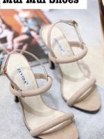 รองเท้าส้นสูงสีครีม รองเท้าสไตล์เกาหลี งานนำเข้าจ้าา วัสดุเป็นผ้าสักหลาดอย่างดีจ้าา งานเกรดเอ คาดหน้าแบบเปลือยๆ พร้อมโชว์เท้าคู่สวย ดีไซน์เรียบหรู ดูเก๋สุดๆ สูง4นิ้ว