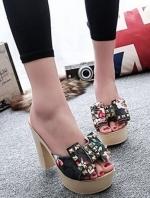 รองเท้าส้นสูงสีเทา แบบสวมสไตล์กุชชี่ วัสดุหนังพียูนิ่ม คาดหน้าด้วยบิ๊กโบว์ประดับด้วยหมุดสุดเก๋ พื้นพี่ยูแท้เกรดเอ น้ำหนักเบามาก ทนทาน สูง 9cm. สวย เพรียว