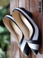รองเท้าคัชชูหัวแหลม หนังนิ่ม (สีดำ )