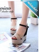 รองเท้าส้นเตารีดผู้หญิงสีครีม ทูโทน วัสดุทำจากผ้าสักราด สีพาสเทล หน้าไขว้ มีสายรัดข้อ ปรับระดับได้ค่ะ