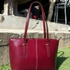 กระเป๋าสะพายรุ่น Kelly สีแดงเข้ม