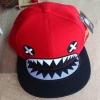 pre order หมวกฮิปฮอป hiphop unisex เท่ๆ สไตล์เกาหลี ลายฉลามหัวเราะแดง