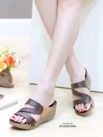 รองเท้าแตะผู้หญิง สไตล์ลำลอง สีทูโทน (สีน้ำตาล )