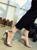 รองเท้าส้นสูงรัดส้น สไตล์Zara (สีเงิน )