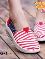 รองเท้าผ้าใบสุขภาพ ลายธง ลายฮิต งานขายดีที่ไม่เคยทำให้ผิดหวัง พื้นหนา2นิ้ว สวยมาก