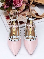 รองเท้าคัทชูสีชมพู VALENTINO WATERCOLOR ROCKSTUD Flat Shoes งานหมุดวาเลนเกรดดี รัดข้อเท้าการันตีด้วยภาพถ่ายสินค้าจริงค่า แกะแบบของแท้ วัสดุหนังpuส้นแบนสายแบบเกี่ยวปรับได้