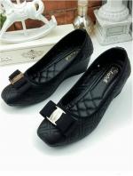 รองเท้าคัทชูส้นเตารีด หัวตัด บุนวม (สีดำ )