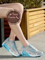 รองเท้าผ้าใบสีฟ้า แฟชั่นแบบสวม สไตล์เกาหลี วัสดุทำจากผ้าตาข่ายและหนังPUอย่างดี โทนสีสดใสหวานแหวว น้ำหนักเบา สูงหน้า 2 ซม. ส้นสูง 4 ซม