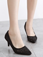 รองเท้าคัทชูส้นสูง ผ้าซินติน (สีดำ)