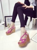 รองเท้ารัดส้นแบบเตารีดสีชมพู korea style พื้นกันลื่นอย่างดี สายรัดส้นพียูนิ่ม ปรับระดับได้ งานสวย ใส่สบาย สูง 4 นิ้ง หน้าสูง 1.5 นิ้ว จะแมทช์ชุดทำงานเกร๋ๆ