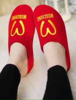 รองเท้าแตะสีแดง รองเท้าเพื่อสุขภาพ งานดี หนังกำมะหยี่ ทรงปิดหัว ใส่ได้ทั้งในบ้านและนอกบ้าน