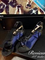 รองเท้าแตะผู้หญิงสีดำแบบรัดส้น แต่งดอกกุหลาบ (สีดำ)