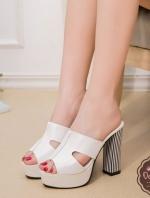 รองเท้าส้นสูงสีขาว สไตล์แบรนด์ดัง HERMES-STYLE วัสดุผ้าหนังพียูนิ๊มนิ่ม สูง4นิ้ว เสริมหน้า1.5นิ้ว