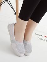 รองเท้าผ้าใบสีเทา รองเท้าเพื่อสุขภาพ พื้นยางอย่างดี น้ำหนักเบา สวมใส่ง่าย เป็นรุ่นที่แนะนำเลย